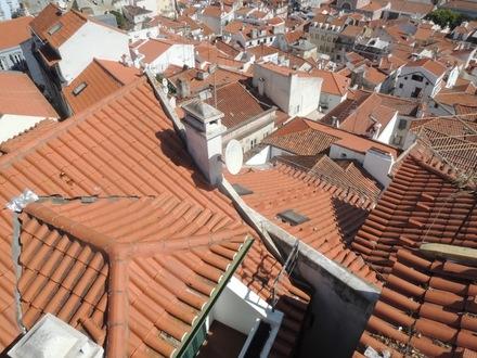 LisbonRoofs20150928.JPG
