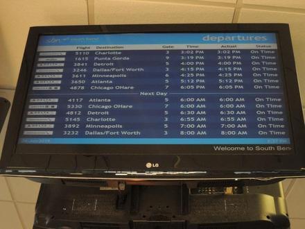 SouthBendAirport20190604.JPG